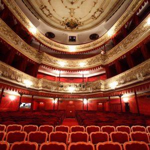 wien-theater-josefstadt-zuschauerraum